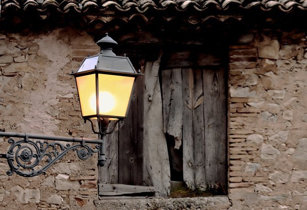 Outdoor lighting for garage doors